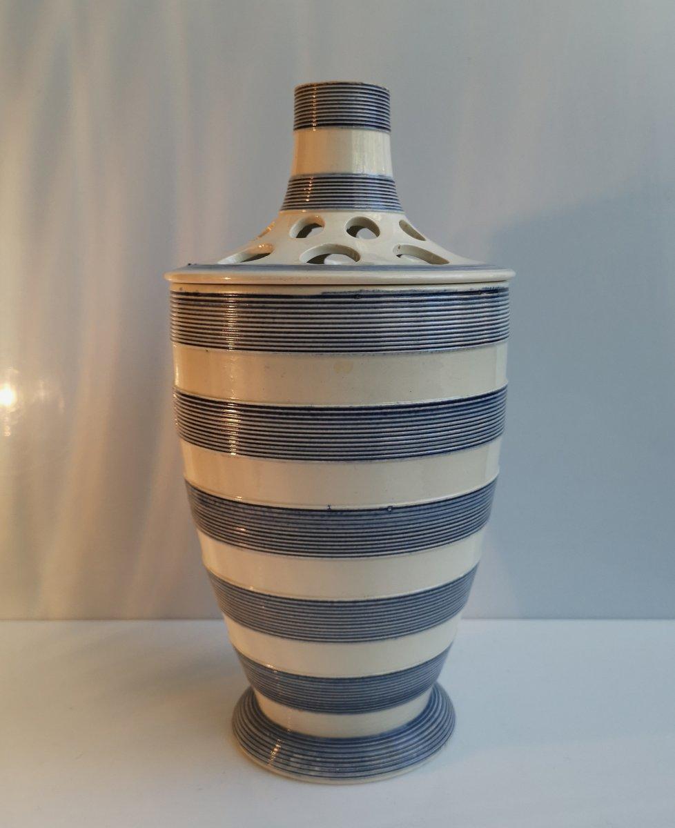 Wedgwood XVIII ° Large Bouquetière Vase In Enamelled Earthenware Ht: 29 Cm Diam: 15 Cm
