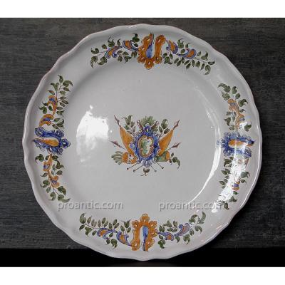 18th Plate In Moustiers Polychrome Decor For Flags - Expert Bonin