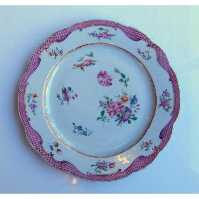 Assiette En Porcelaine De Chine De La Compagnie Des Indes - Epoque Qianlong 18ème