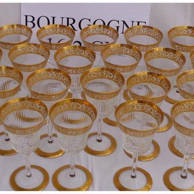 1 Verre à Bourgogne 16.2cm En cristal De  Saint Louis Modèle Thistle Or