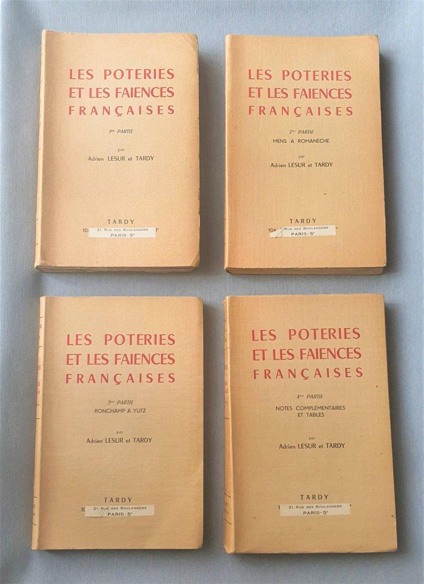 LES POTERIES ET LES FAÏENCES FRANCAISES  par Adrien LESUR et TARDY