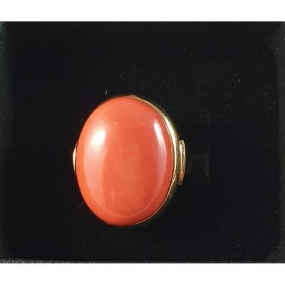 Yellow Gold Ring With An Important Coral Cabochon