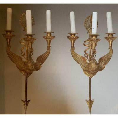 Pair Of Gilt Bronze Wall Lights In The Shape Of A Swan And Surmounted By An Arrow And A Ribbon