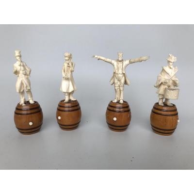 Quatre Sculptures En Os époque 19éme Musiciens