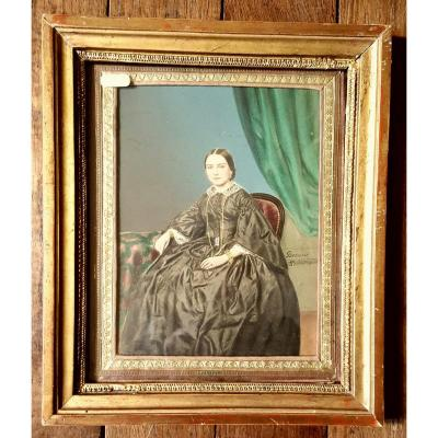 Portrait de Femme. Gouache sur tirage  photographique peint par Louis Eugène de Beaune