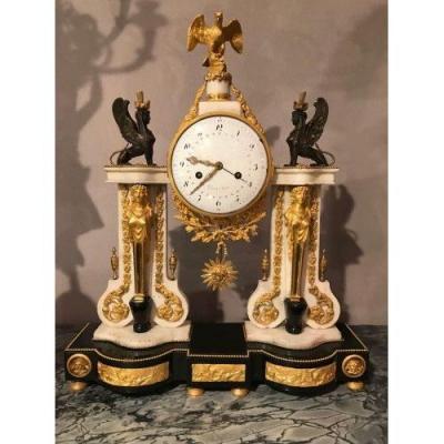 Importante Pendule Portique Louis XVI, Gaudet à Paris