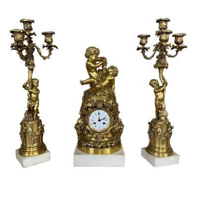"""Finely Chiseled Gilt Bronze """"aux Putti"""" Fireplace Garnish, Circa 1860"""