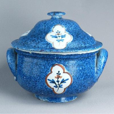 Nord Vron Earthenware Tureen Early 19th Blue Sponge Bottom