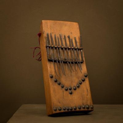 Afrique / percussion instrument  / lamellophone  / sanza ..