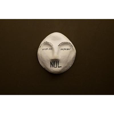 Jacques Lizène, Belgique « inventeur de l'art nul » encre sur masque en plâtre . signé .