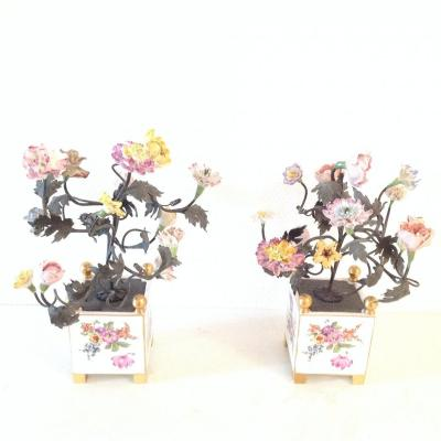 Pair Of Box In Porcelain And Saxony Flowers End XIX
