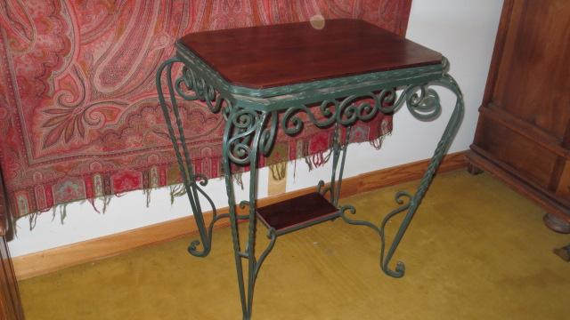 table gu ridon en fer forg tables. Black Bedroom Furniture Sets. Home Design Ideas