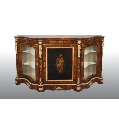 Antique Victorian English Buffet From The 19th Century.