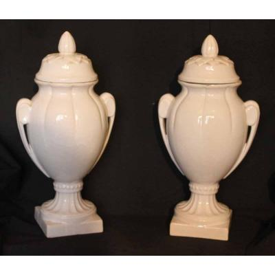 Vases Couverts Blancs (gien ?)