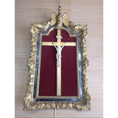 Crucifix In Ivory Carved In A Frame With Parecloses In Golden Wood With Pelican Decor