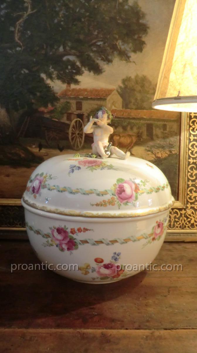 Soupiere En Porcelaine De Meissen 18è Thème Bacchus