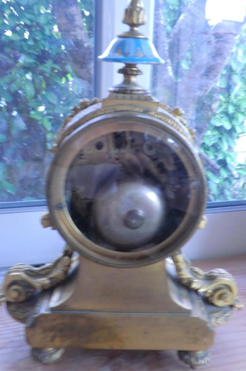 Pendule Louis XVI Bronzes Dores Et Porcelaine De Sevres-photo-1
