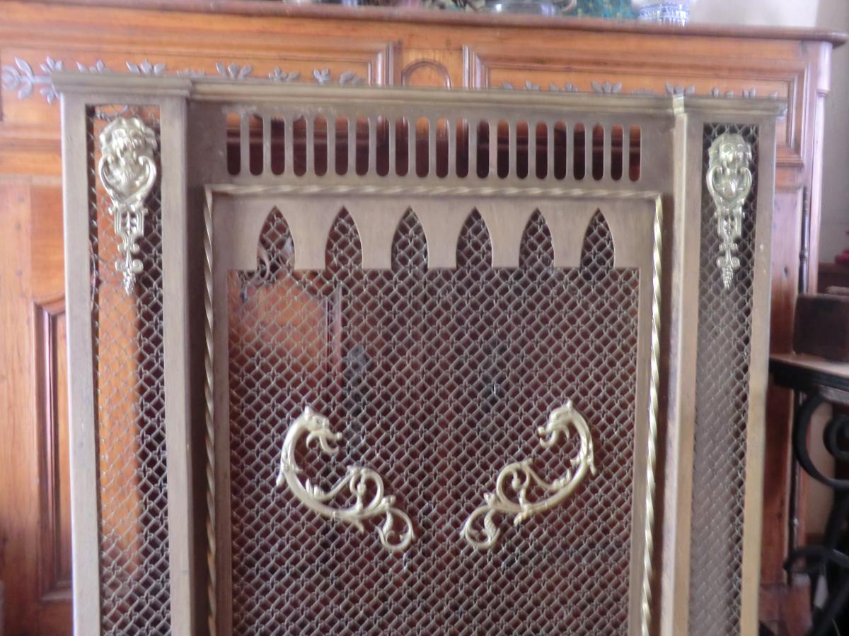 cache radiateur en m tal et bronzes other furnitures. Black Bedroom Furniture Sets. Home Design Ideas