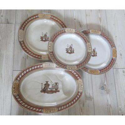 Serie De Plats En Faience De Minton Decor Etrusque