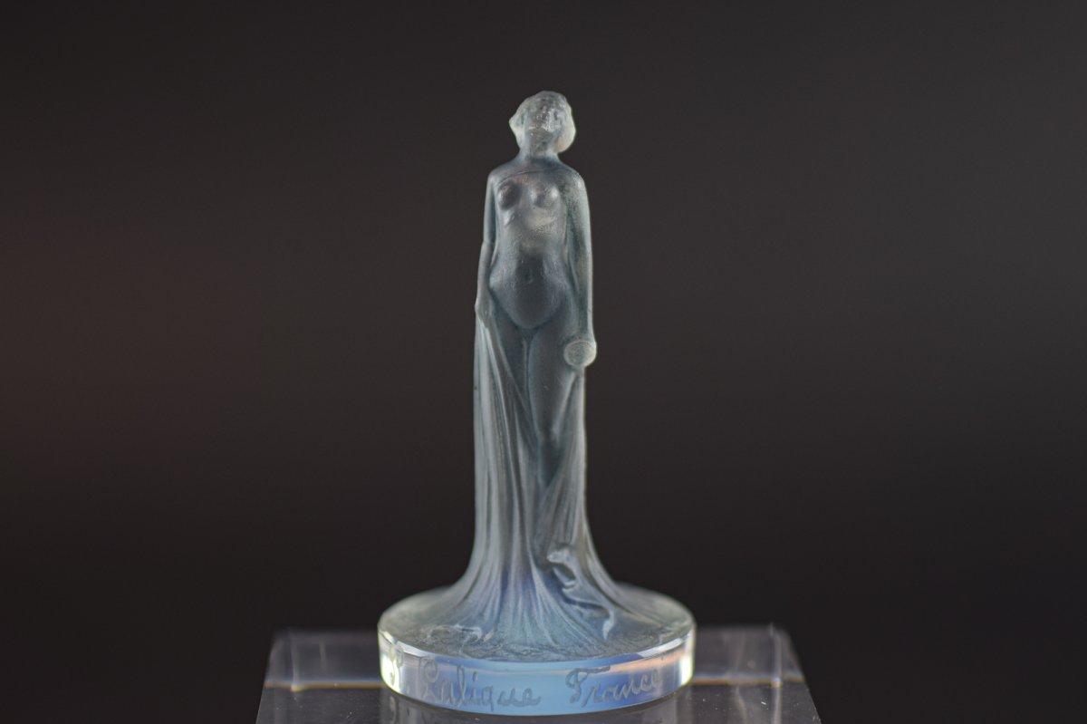 Rene Lalique Opalescent Seal Draped Statuette