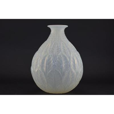 Vase Opalescent René Lalique Malesherbes