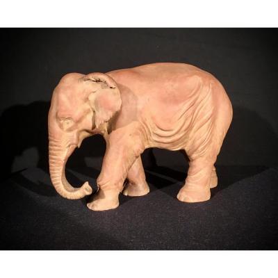 Éléphant en Terre Cuite