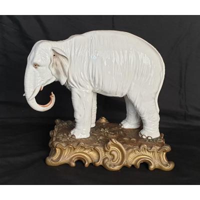 Meissen : Éléphant En Porcelaine XIX ème