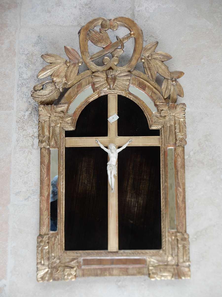 Christ En Ivoire XVIII Eme Dans Son Cadre Doré