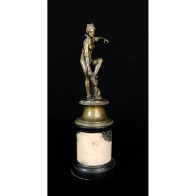 Sculpture En Bronze Représentant Vénus Qui Enlève Son Santal, Italie, Fin XVIII Siècle