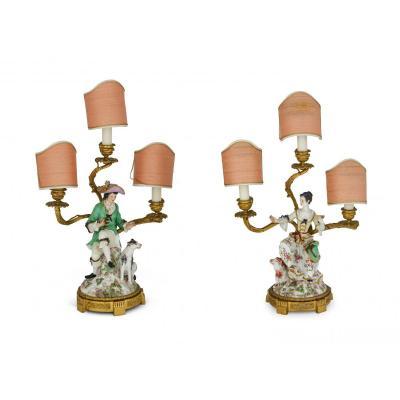 Couple De Candélabres En Bronze Doré Et Porcelaine Polychrome, France XIXe Siècle