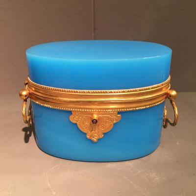 Coffret Opaline Bleu Ovale XIXeme époque Napoleon III.
