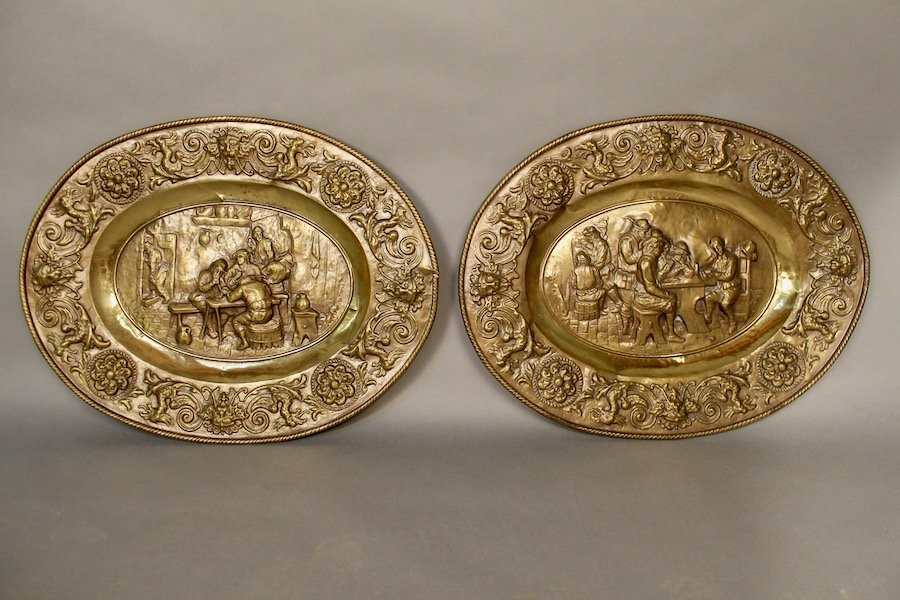Pair Of Oval Plates In Repelled Brass XIXth