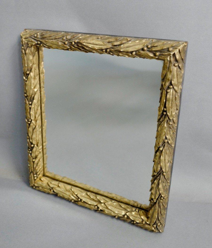 Petit Miroir Doré à Décor De Lauriers