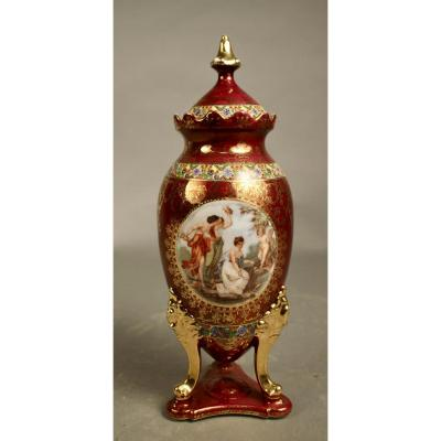 Porcelain Tripod Foot Vase