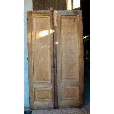 Pair Of Nineteenth Oak Landing Doors