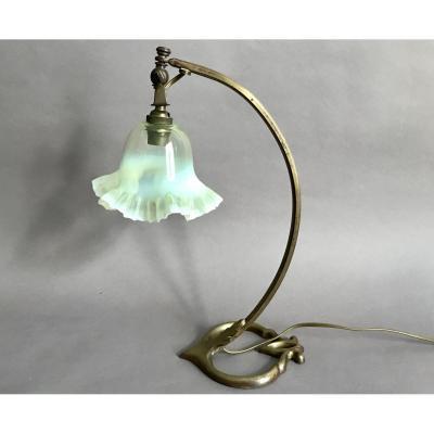 Lampe  bronze et verre vaseline Art Nouveau vers 1900