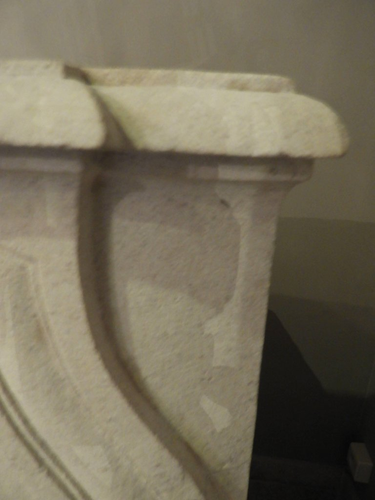 Hand-carved Louis XV Fireplace In French Limestone, 19th C-photo-5