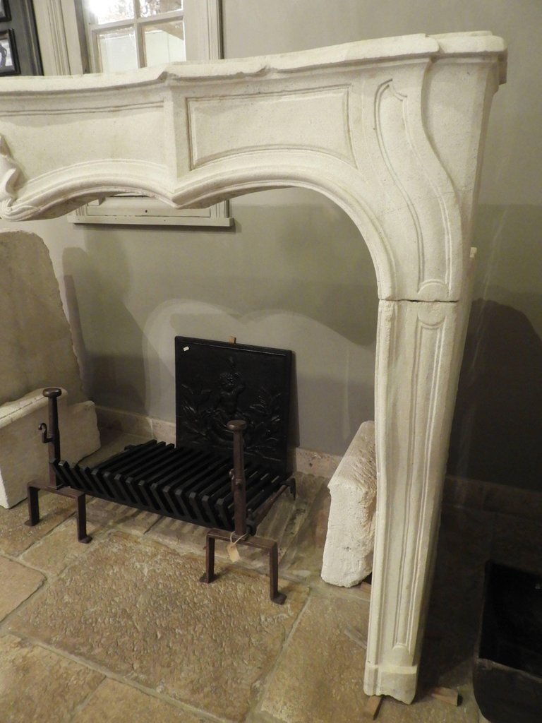 Hand-carved Louis XV Fireplace In French Limestone, 19th C-photo-6