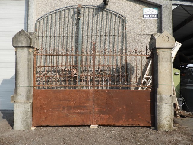 Iron Gate With 2 Stone Pillars, 19th Century