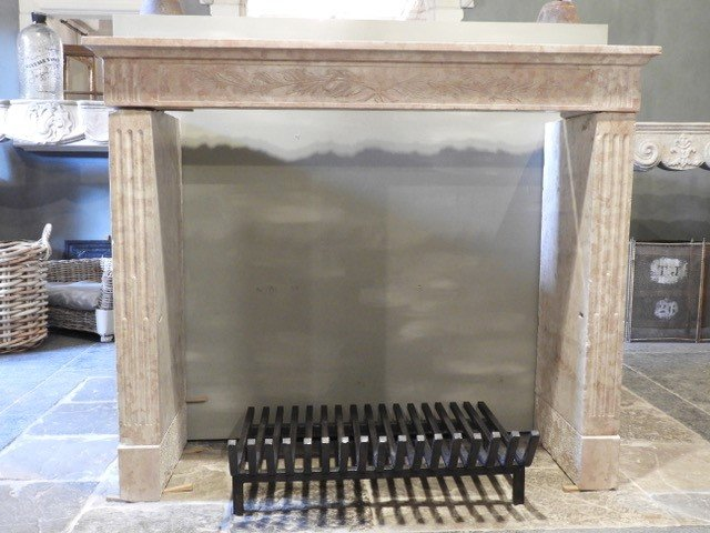 19th Century Pink Colored Hard Burgundy Limestone Fireplace Louis XVI