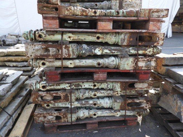 Poteaux Décoratifs Antiques en Fonte