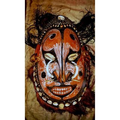Rare masque En Bois Policrome et coquillages. Oceanie, Sepik, Debut XXeme siecle