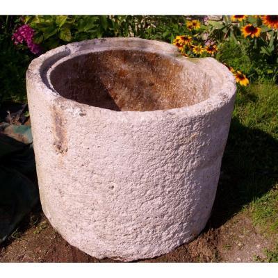 Cuveau Saloir Monolith 18th Limestone Shell