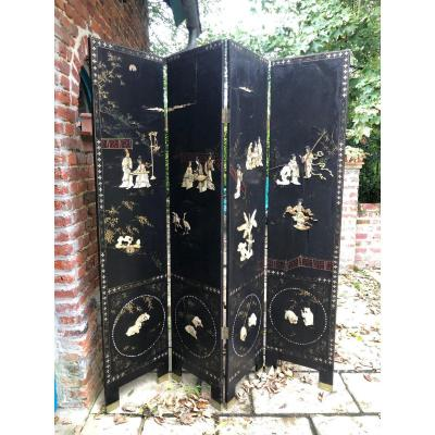 Chinese Lacquered Wood And Mother Of Pearl Screen