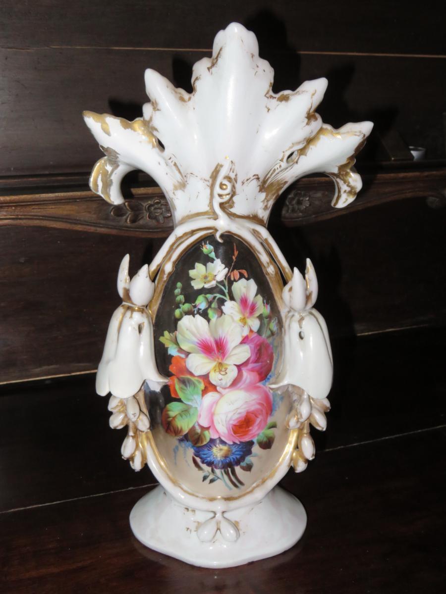 Vase En Porcelaine, époque 19 ème.