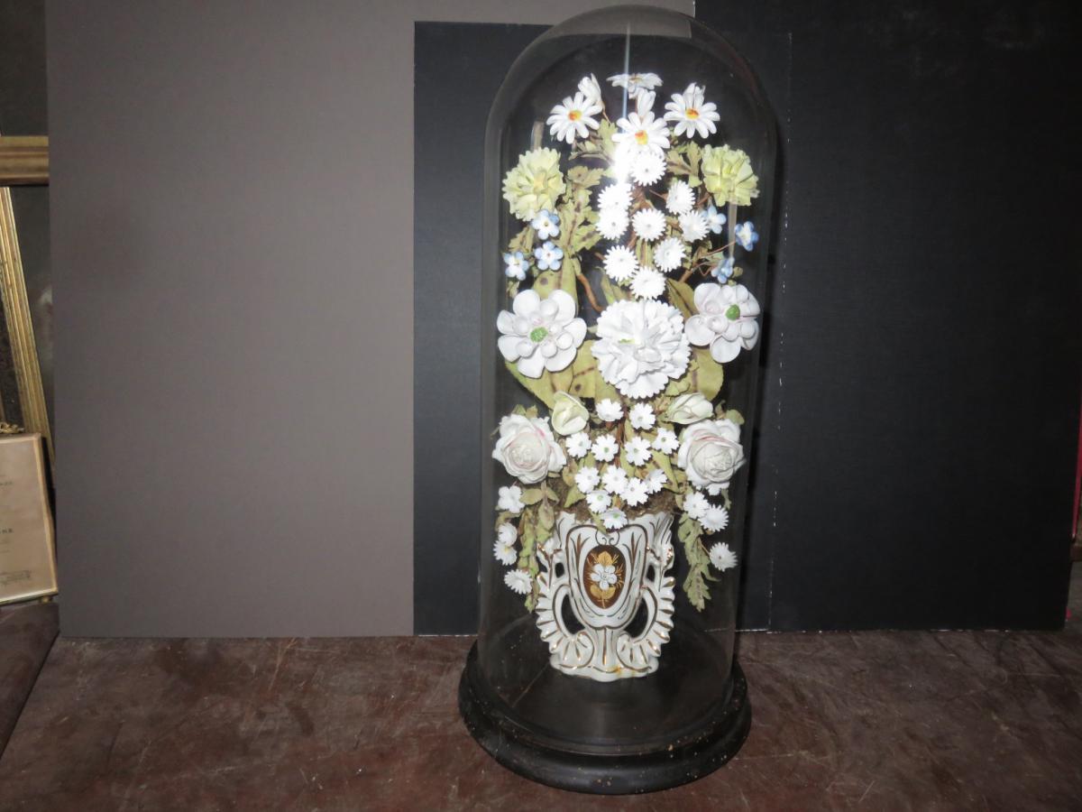 globe de mari e avec fleurs et vase en porcelaine poque 19 me porcelaines anciennes. Black Bedroom Furniture Sets. Home Design Ideas