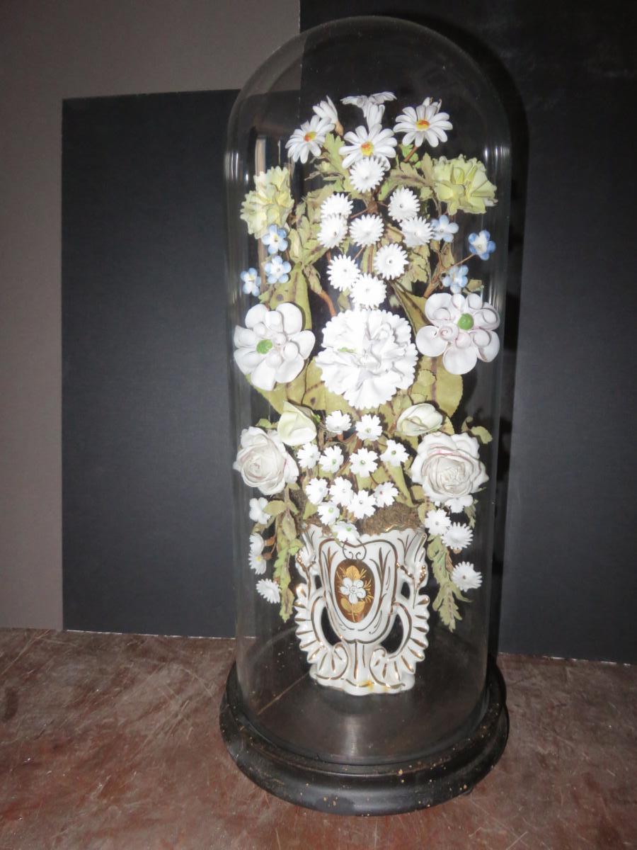 globe de mari e avec fleurs et vase en porcelaine poque 19 me objets de d coration. Black Bedroom Furniture Sets. Home Design Ideas