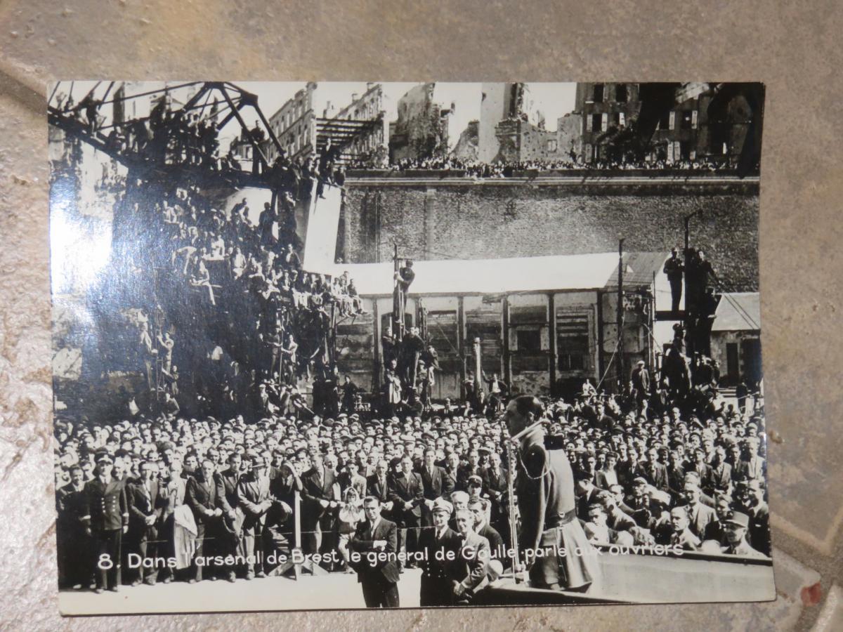 Photo Originale Du Géneral De Gaule à Brest De 1945.