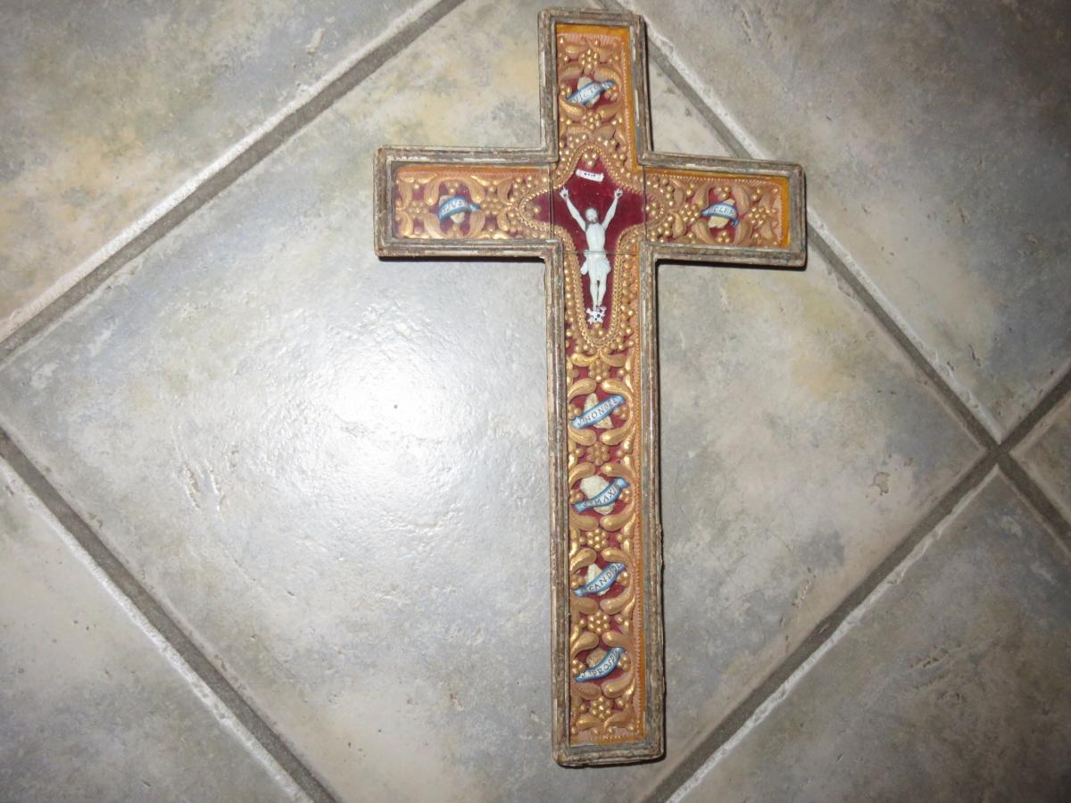 Une Croix Reliquaire, époque 19ème.