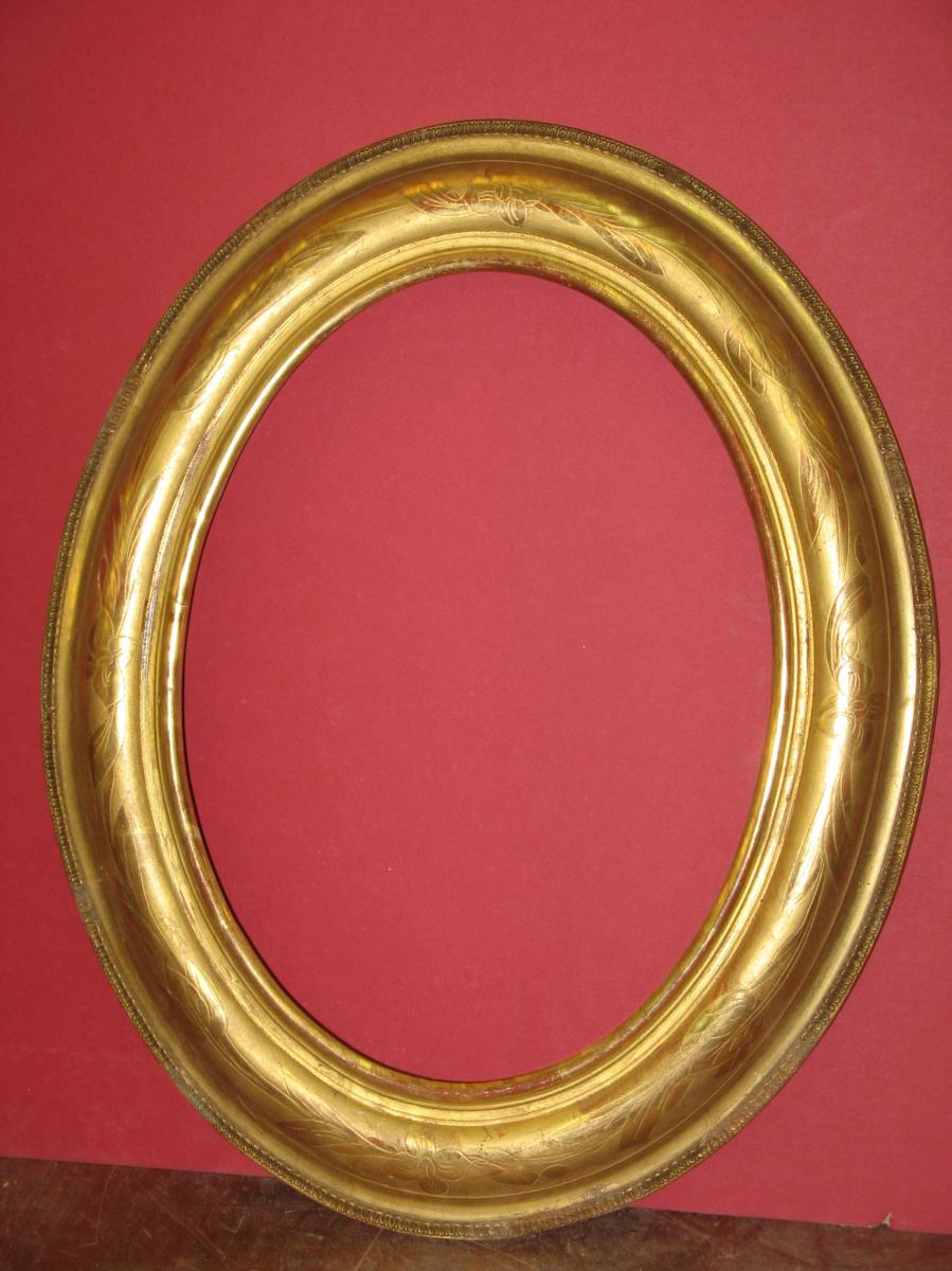 Oval Frame, 19th Time In Golden Wood.